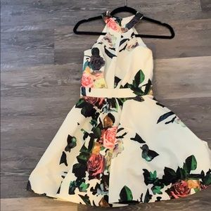 Floral flounce dress with open back